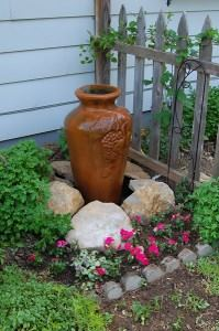 Small vase fountain