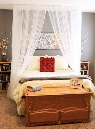 DIY Canopy Bed | DIY Cozy Home