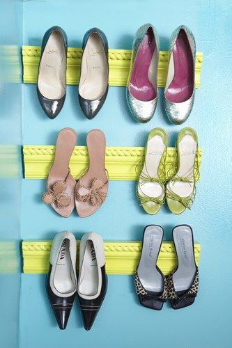 molding for high heel storage