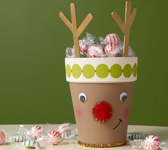 crafty reindeer pot