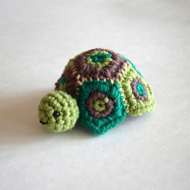 Crocheted Turtle Box