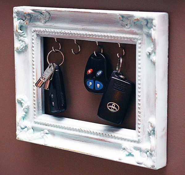 15 Splendid DIY Key Holders & Racks