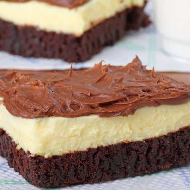 Delicious Brownie Bottom Cheesecake With Chocolate Frosting