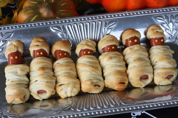 27 Fun Snacks For A Halloween Party