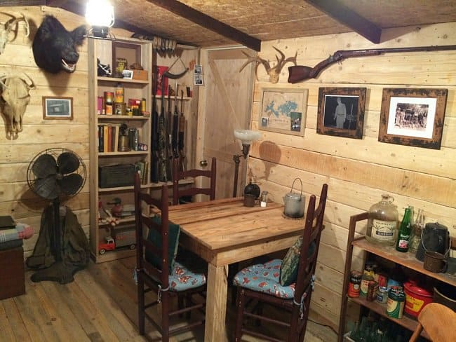 Guy Builds A Man Cave That Looks Like It S Straight From The Wild Wild West Diy Cozy Home