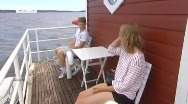 sit-on-deck-utter-inn