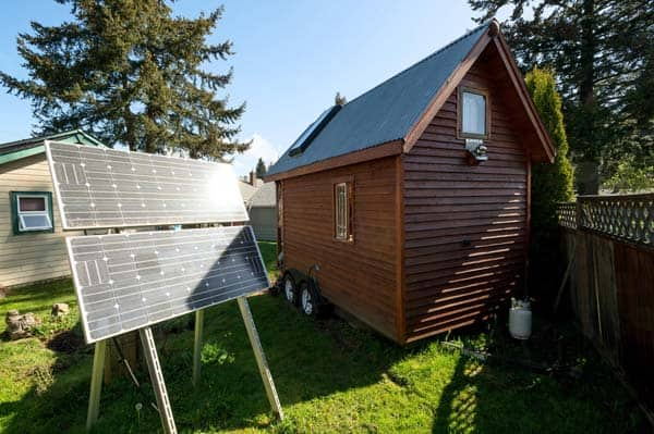 tiny-house-solar-power-panels