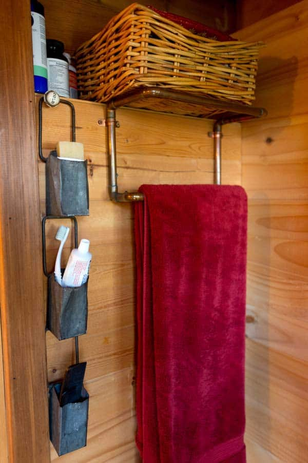 tiny-house-washroom