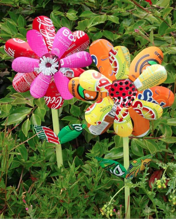 Garden Yard Art Ideas birds butterflies and bats welcome them to your garden yard ideas blog Homemade Pinwheels