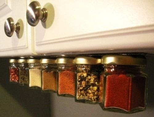store spices magnetic strip