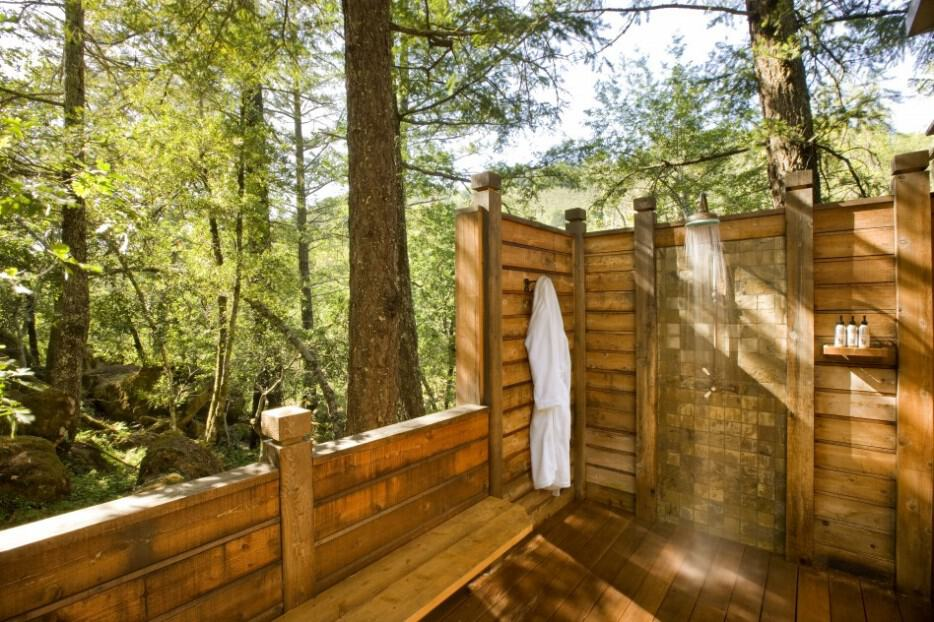 outdoor log shower