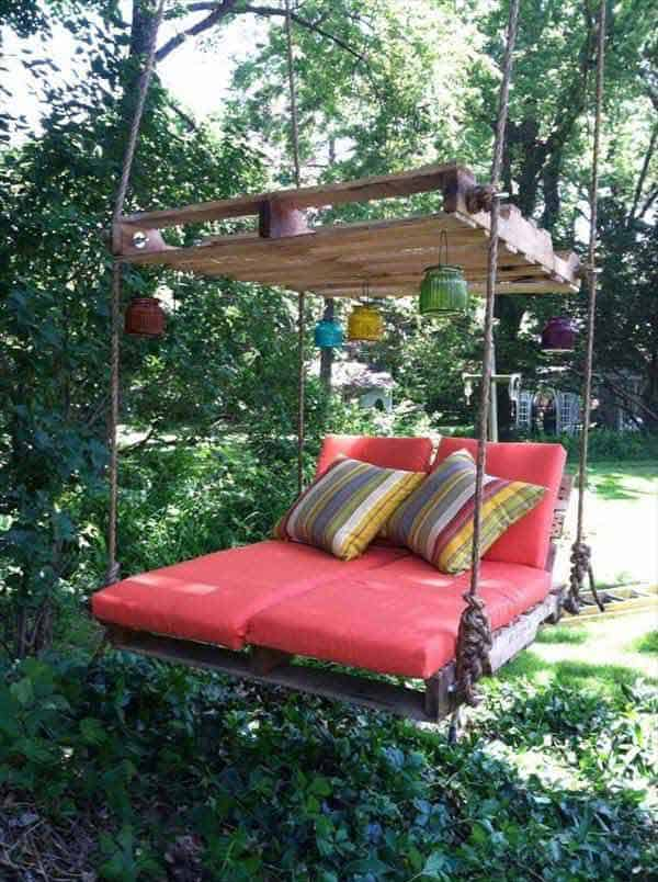 suspended pallet bed