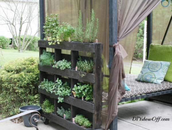 vertical planter with wheels