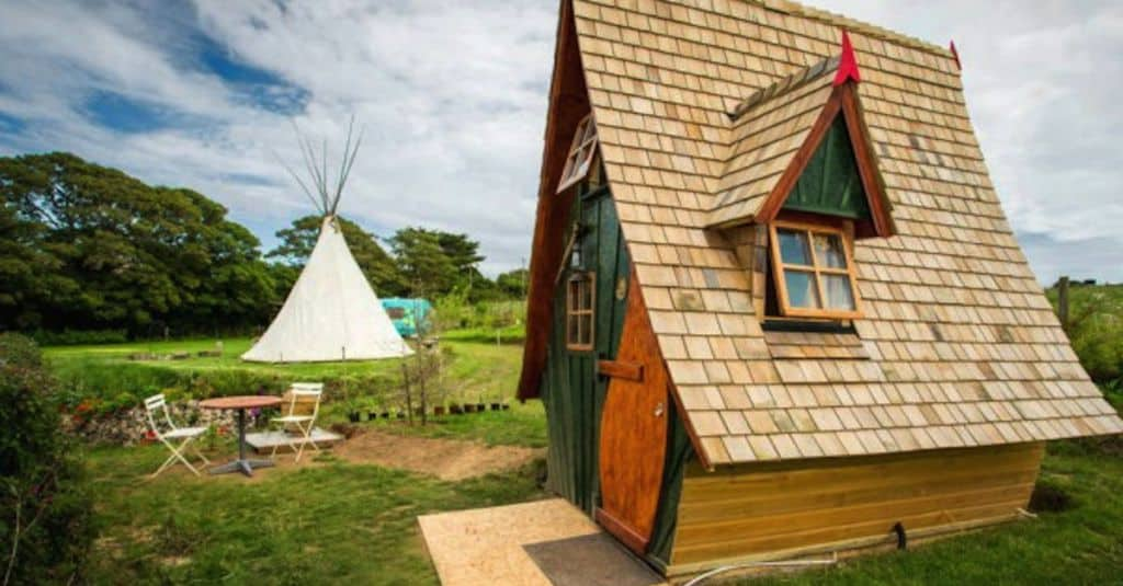 This Tiny Home Looks Like It S Straight Out Of A Fairy