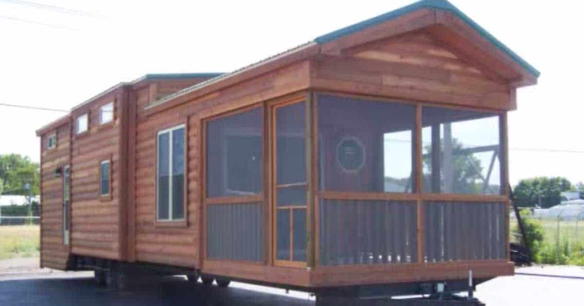 Cool Take A Peek Inside This Tiny Cabin On Wheels Its Beautiful Largest Home Design Picture Inspirations Pitcheantrous