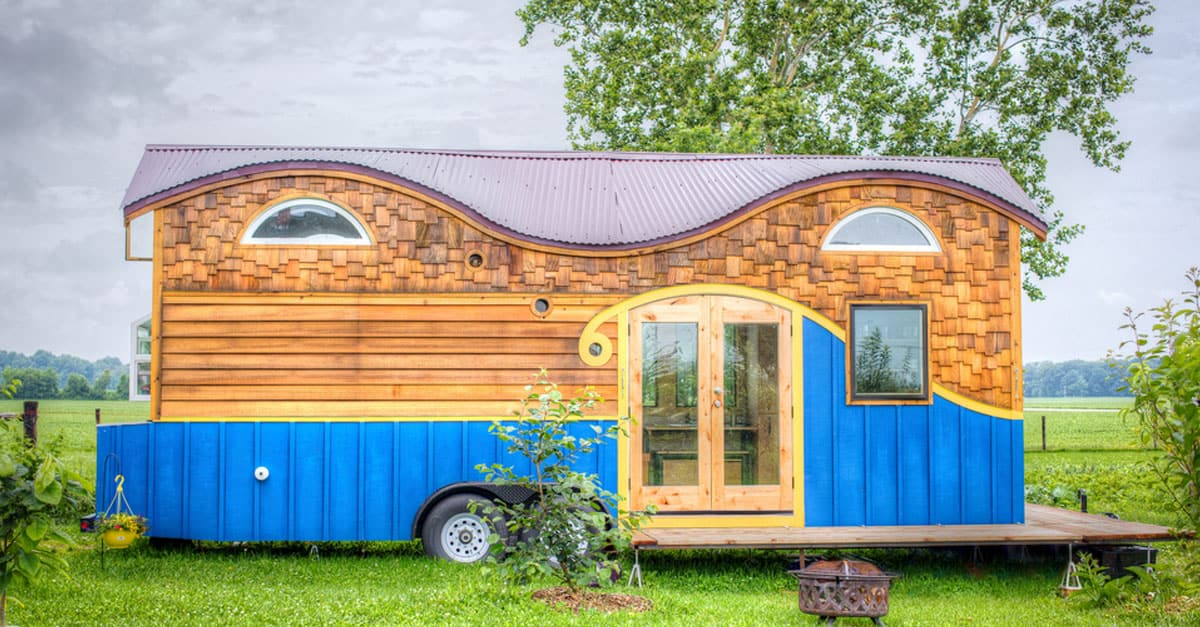 Awesome This Fun Tiny Home Is Full Of Clever Ideas Diy Cozy Home Largest Home Design Picture Inspirations Pitcheantrous