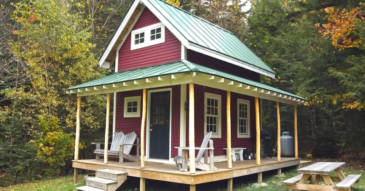 Come tour this beautiful tiny cabin built by a family in for Diy cozy homes