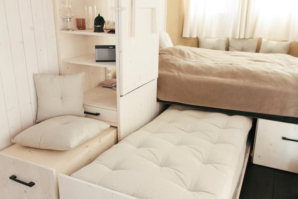 pullout-bed