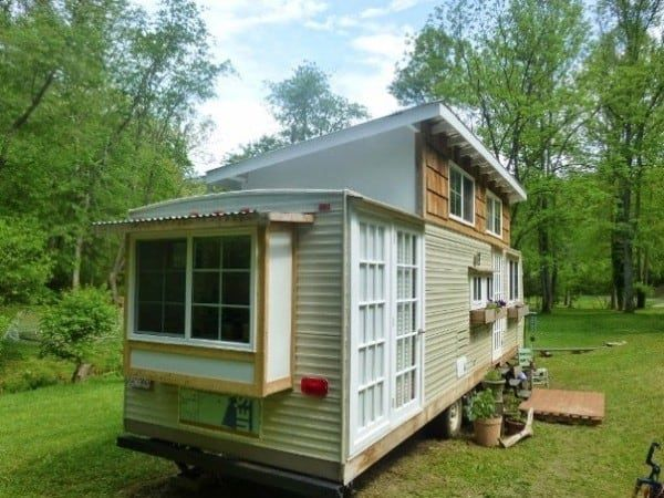 trailer-turned-tinyhome