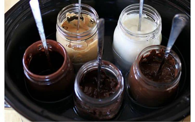 hot-fudge-sundaes