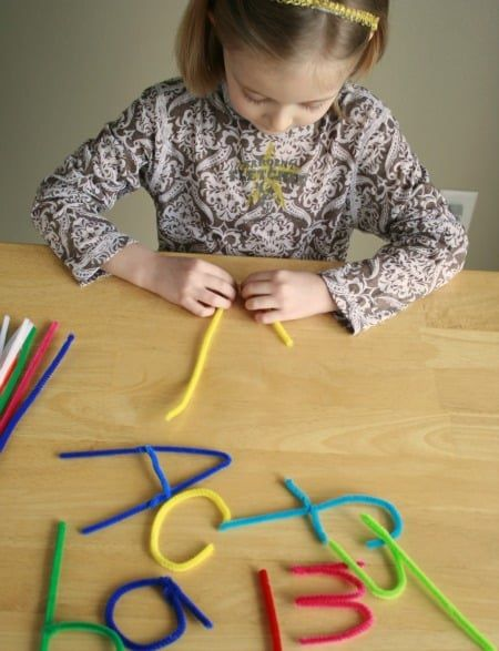pipe-cleaners-letters