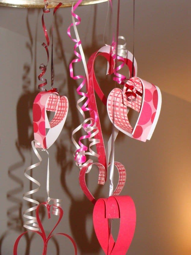 50 Fun And Creative DIY Valentine\'s Decorations That Anybody Can Do