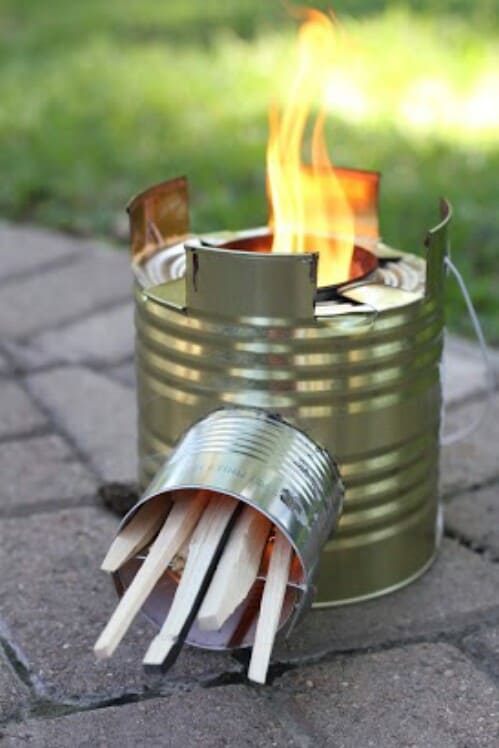 25 crafty diy projects using tin cans diy cozy home for Tin can rocket stove