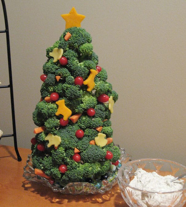 DIY Christmas tree broccoli