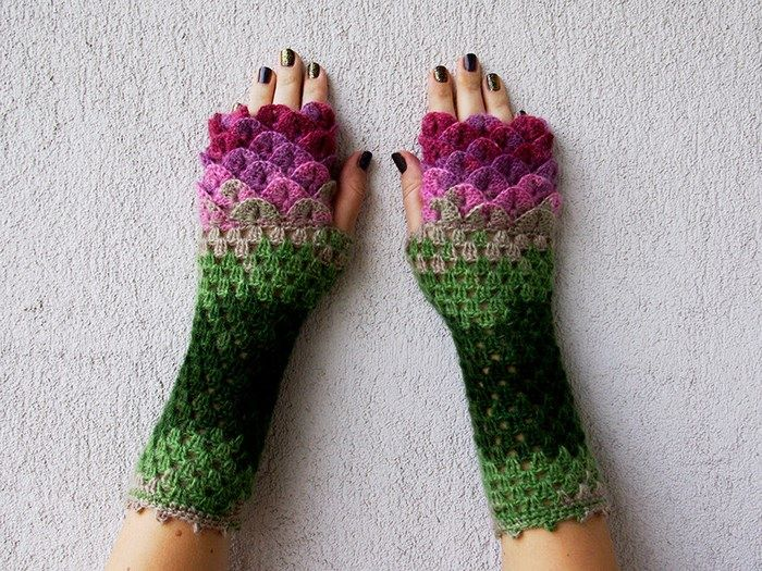 Crochet Dragon Gloves 1