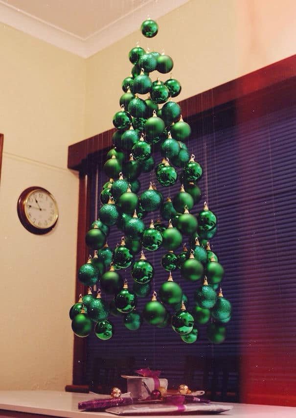 DIY Christmas tree floating ornament
