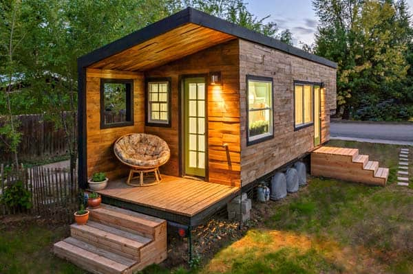 woman built a tiny home last-look