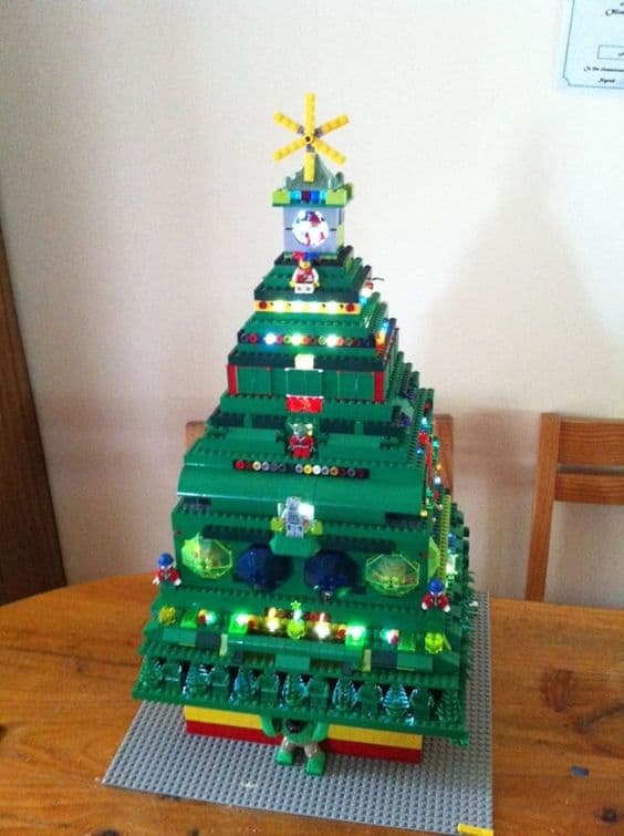 DIY Christmas tree lego