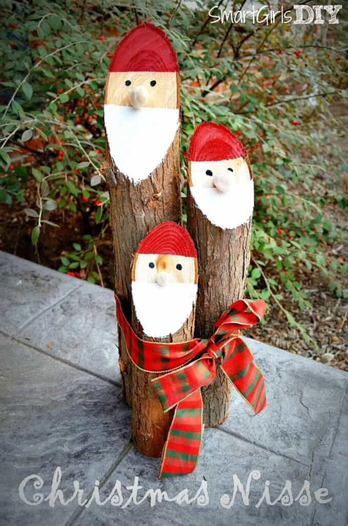 52 spectacular diy christmas decorations you must try this year diy christmas decorations santa log solutioingenieria Gallery