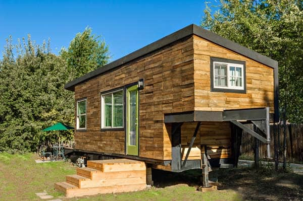 woman built a tiny home 1