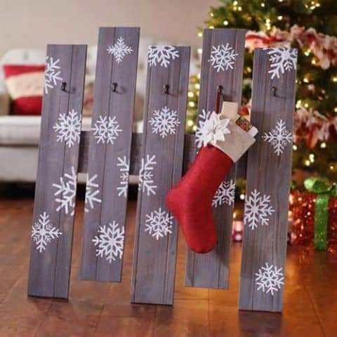 diy christmas decorations pallet stocking holder