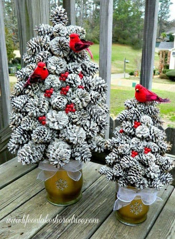 DIY pine cone crafts christmas tree